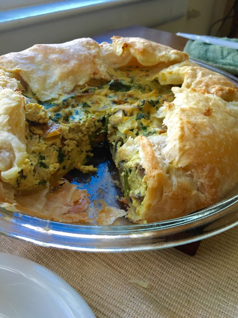 Easy Vegan Ham, Spinach and Mushroom Quiche