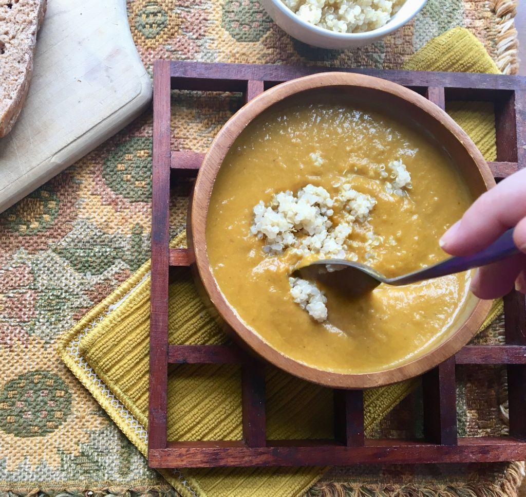 Easy Vegan Curried Pumpkin Soup