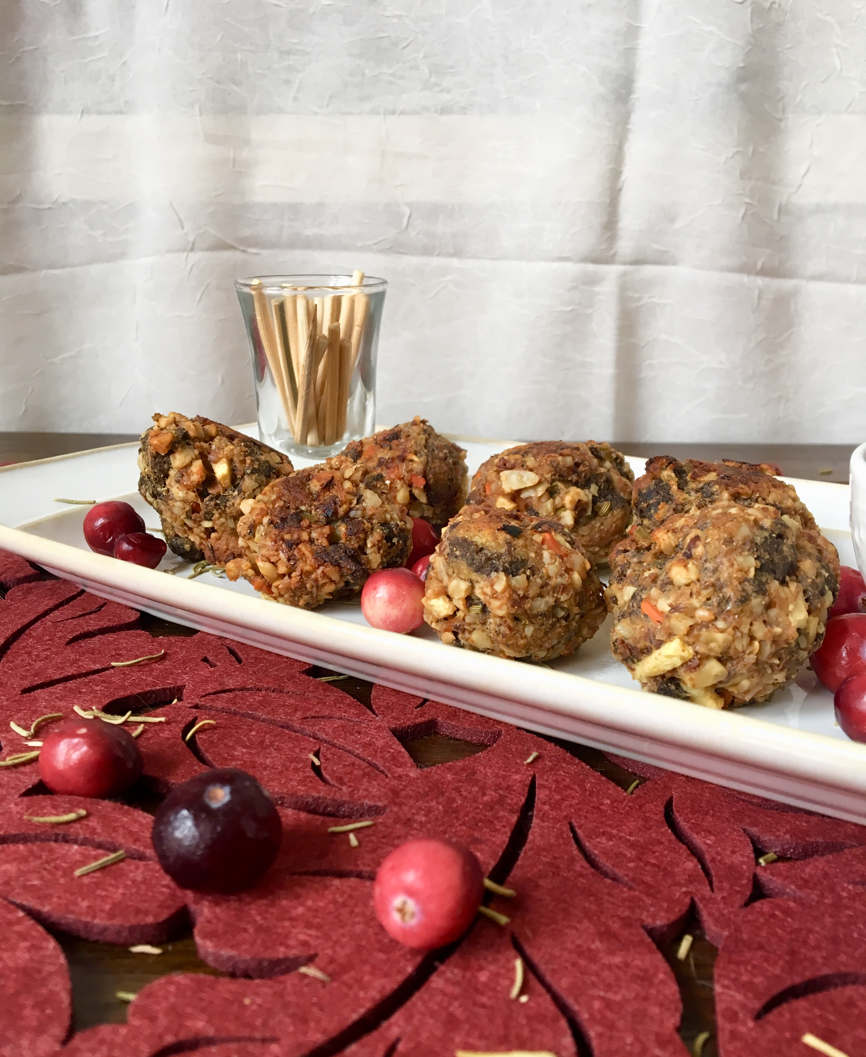 walnut sausage and stuffing balls with cranberry apple