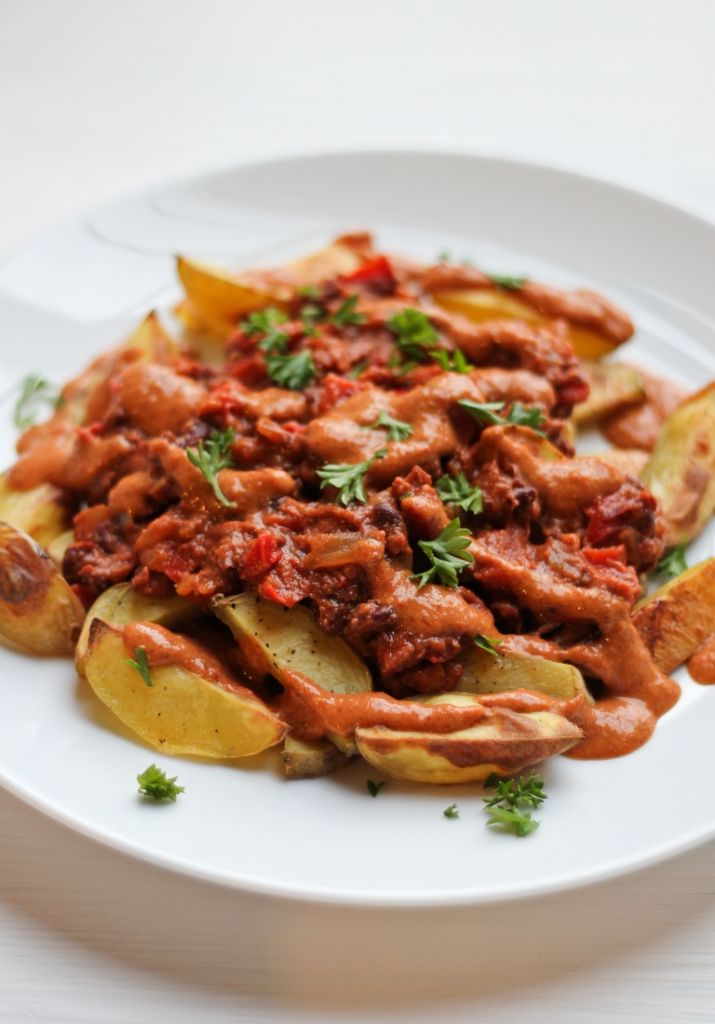 Chili Cheese Fries by The Vegan 8 // 10 Classic Ballpark Recipes Made Vegan