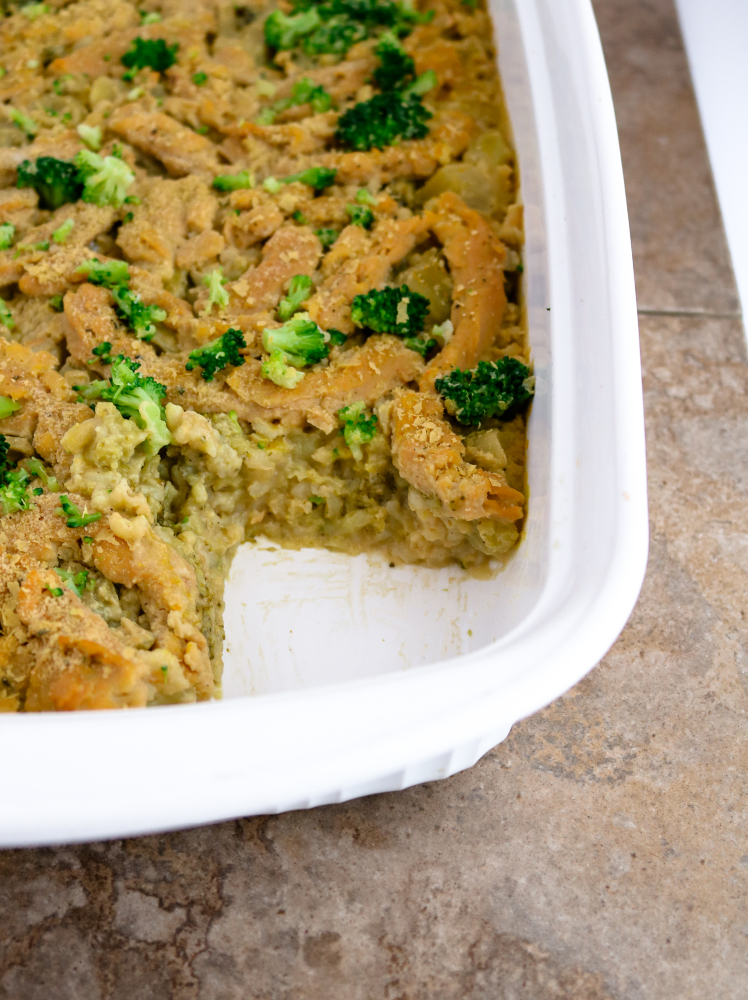 This easy vegan chicken and rice casserole is going to rock your busy winter weeknights. It's rice and veggies and gravy all cooked up and topped with meaty soy curls. Just dump, bake, and enjoy. #vegan #casserole #broccoli #soycurls #rice #veganrecipes // plantpowercouple.com