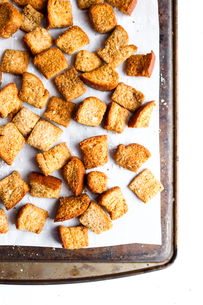 Nothing shakes up a boring old salad quite like these easy, flavorful air-fried croutons! They only take 5 minutes to throw together, 20 to cook, and taste like crouton HEAVEN. #vegan #croutons #airfryer #recipe #veganrecipes // plantpowercouple.com