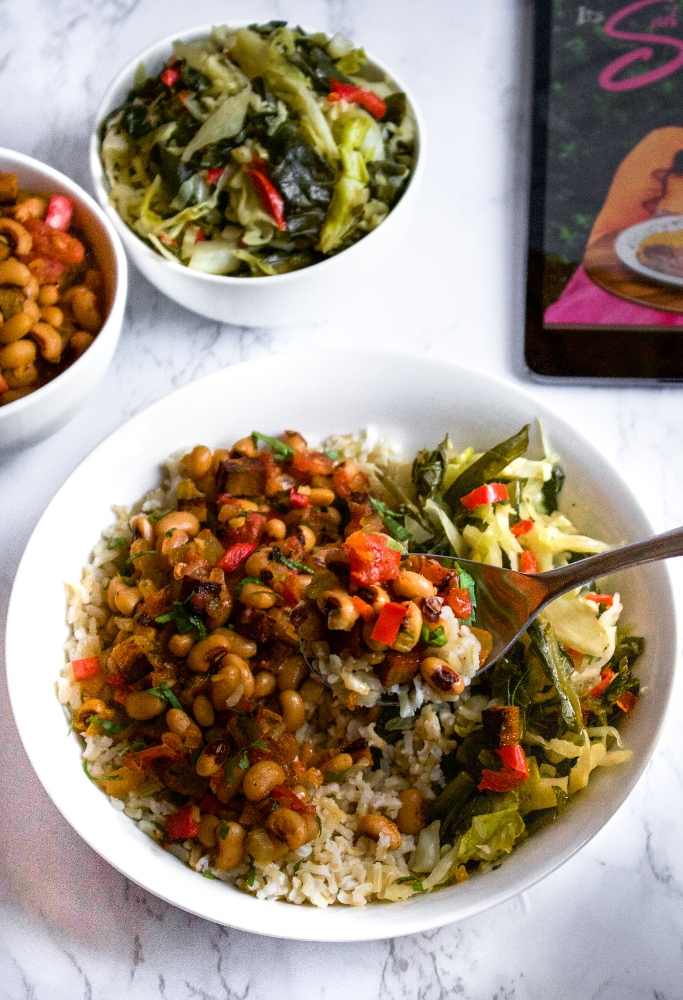 Vegan soul food? Yes, please! We are so happy to bring you our review of Chef Joya's new southern soul-inspired cookbook Cooking with Joya: It's Soul Mahmazing Vol. 1. #vegan #vegansoulfood #vegancomfortfood #plantbased #vegancookbook